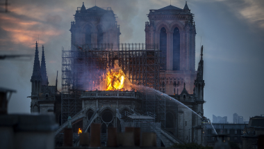 The sports world reacts with heartfelt messages after Notre Dame blaze