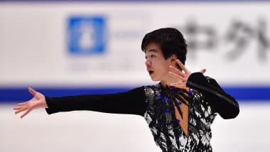 Japan's Yuma Kagiyama storms figure skating's season opener