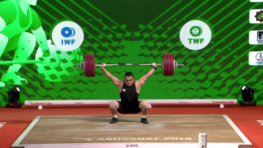 Moradi sets three world records on way to triple gold at worlds