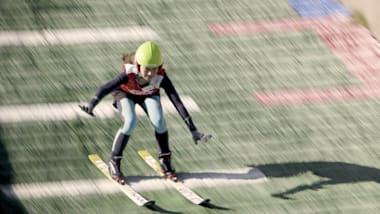 2022年の北京オリンピックに向け、中国のスポーツ選手がスキージャンプに初挑戦 (パート1)