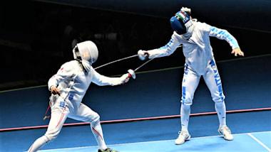 フェンシング・アジア選手権3日目:男子エペの山田優と宇山賢が金、銀メダルを獲得
