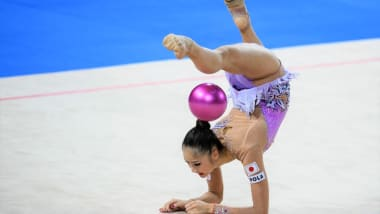 【新体操個人】世界選手権2日目 「ボール」を終えて、皆川夏穂は総合10位、大岩千未来は総合19位
