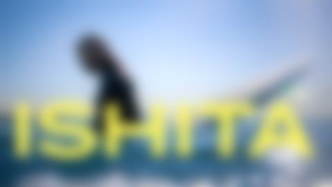 Conoce a Ishita Malaviya, la primera surfista de India | Her Game