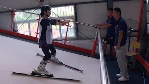 من الغنم إلى التزلج: توظيف غريب لمتطوعي بكين 2022