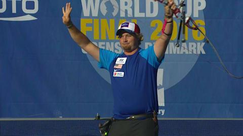 Ellison conquista su cuarto título del mundo en el desempate