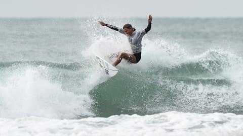 Surfer reden über gleiches Gehalt für Frauen