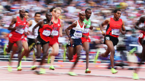 إعادة: فرح يفوز بذهبية 5000م للرجال