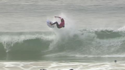 Kelly Slater in fine form in Portugal