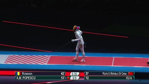 Impresionante toque volador de Popescu en la final femenina de esgrima