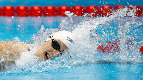 Ledecky breaks world record in 800m freestyle