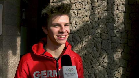 Por favor, não tente contatar o novo campeão olímpico Andreas Wellinger...