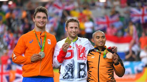 Kenny wins Men's Keirin gold