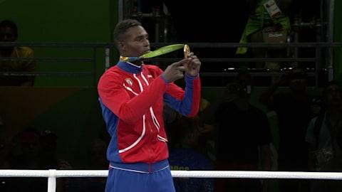 Boxer La Cruz gewinnt Gold im Halbschwergewicht