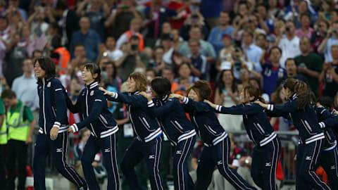 日本を勇気づける初メダル
