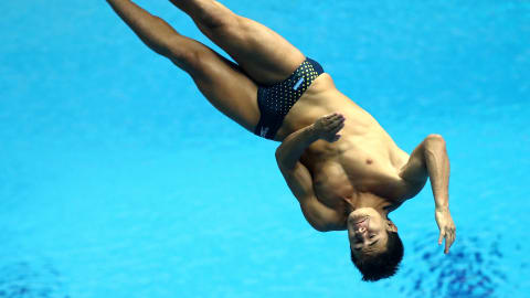 Meet the Colombian who started diving as therapy... and won youth gold