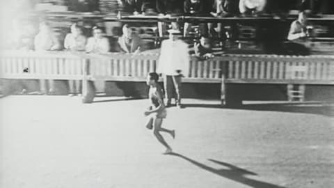 Bikila gana la maratón descalzo