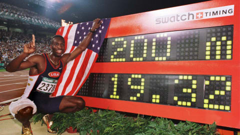 Atlanta 1996 - Johnson wins the 200m final and breaks the world record