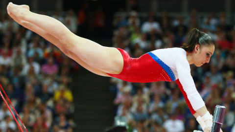 Replay: Mustafina holt sich Gold am Stufenbarren