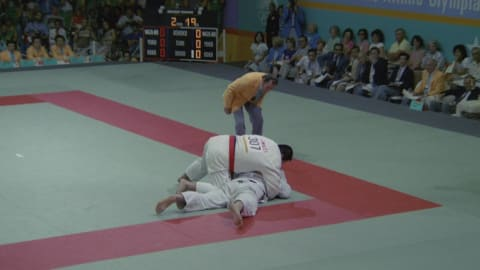 Injured Yamashita battles to Judo gold