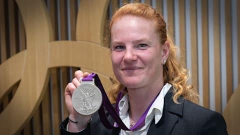 Comment Betty Heidler a reçu sa médaille d'argent après sept ans d'attente