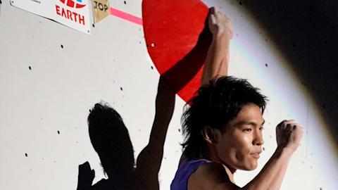 Tomoa Narasaki dominates combined to complete 2019 IFSC Climbing World Champs double