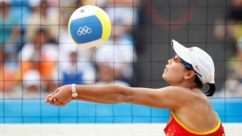 La beauté du volleyball de plage femmes
