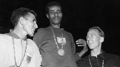 La corsa scalza di Bikila verso l'oro olimpico