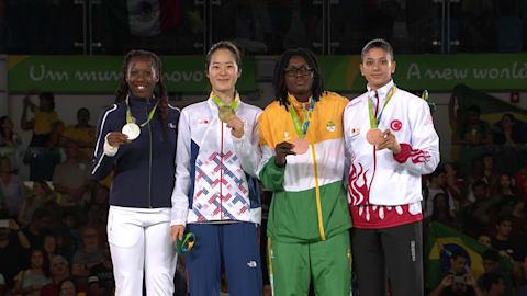 Oh conquista o ouro na final do taekwondo