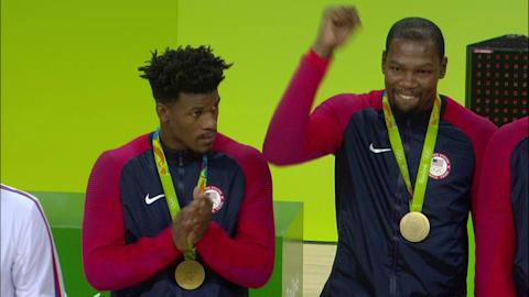 Американцы выигрывают золото в баскетболе
