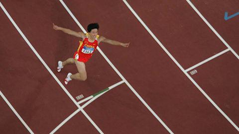 Athens 2004 - Xiang Liu ties the 110m hurdles world record