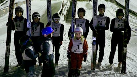 Первые соревнования в Норвегии для летающих лыжников из Китая