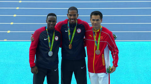 Taylor vince l'oro nel salto triplo maschile