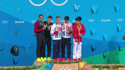 Team GB's Laugher and Mears win diving gold