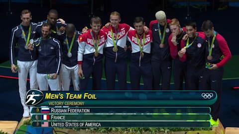 فريق المبارزة الروسي يفوز بالذهبية