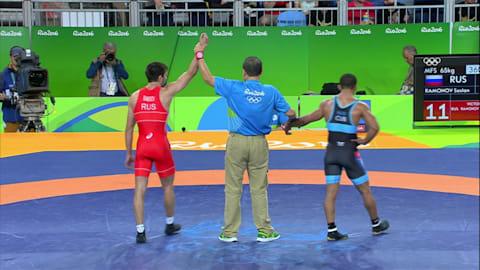 سوسلان رامونوف (روسيا) يهزم اليخاندرو انريكي فالديس توبير (كوبا): 11-3