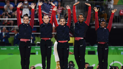 Laurie Hernandez describes USA gymnastics' 'Final Five' in one word