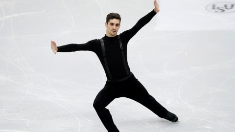 Javier Fernandez faces fight for seventh title after Russians place 1-2 in men's short program