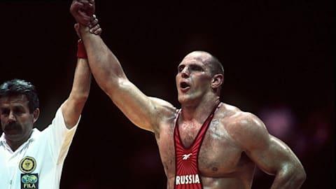 As três medalhas de ouro de Karelin, lenda da luta olímpica