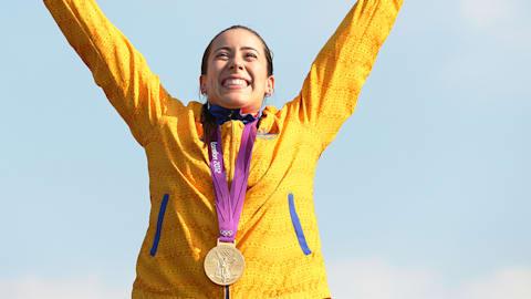 Remise de la médaille d'or du BMX pour Pajon en 2012