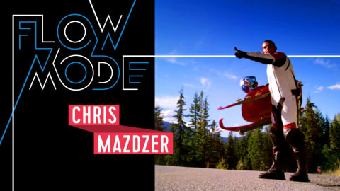 Incroyable: La star de la luge Chris Mazdzer descend une route montagneuse
