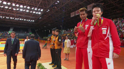 Ahmad and Natsir win badminton mixed doubles gold