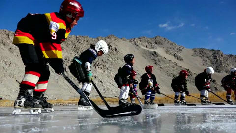Hockey in den Himalayas
