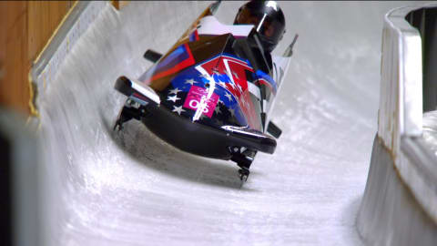 Meyers Taylor wins Women's Silver ending 0,07 seconds from Gold | Bobsleigh