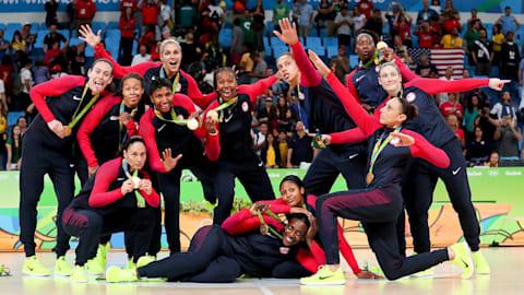 U.S. women defeat Spain for basketball gold