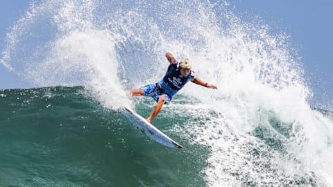 Assista Kanoa Igarashi surfar até a vitória em Bali