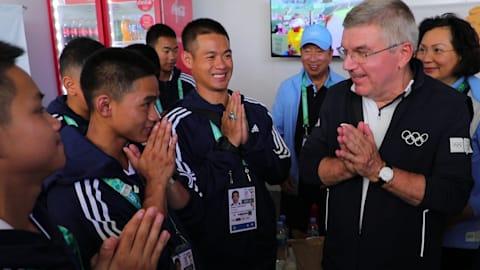 Gerettete thailändische Jugendfußballer genießen Olympische Jugendspiele