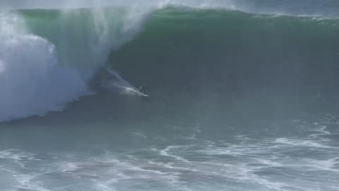 40-foot waves for season-opener in Portugal!