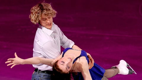 Meryl Davis and Charlie White perform to 'Billie Jean' | Music Mondays