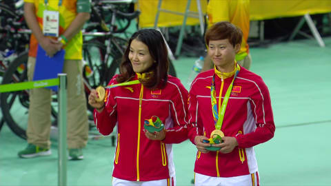 Gong and Zhong win Women's Team Sprint gold