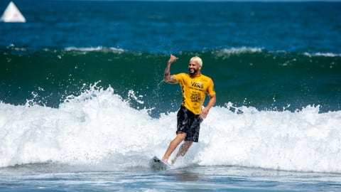 Stolen passport, typhoon, borrowed surfboard, and denim shorts: Italo Ferreira's miracle heat at the ISA World Surfing Games